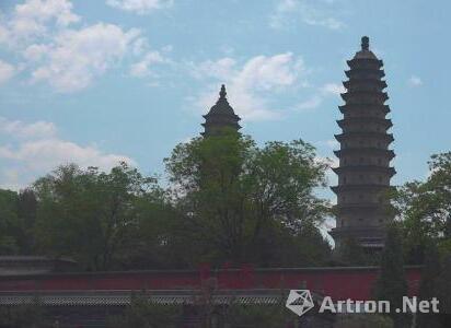永祚寺双塔,一名文峰塔,另一名宣文塔。