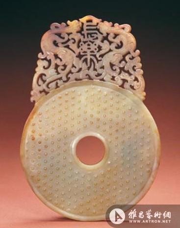 汉代玉器中艺术价值较高的应属于圆雕作品,通常用料上乘,琢磨精细
