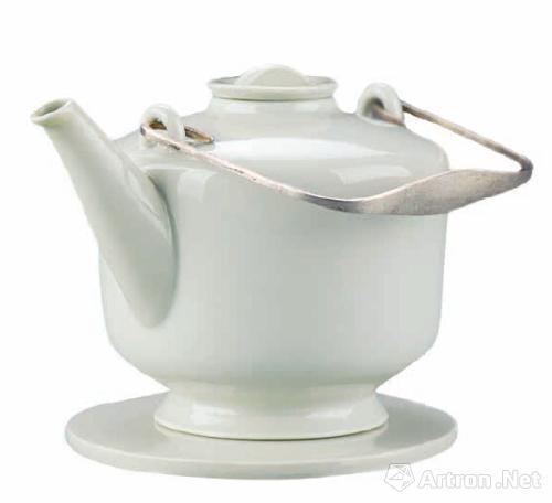 柏林 青瓷,银 中国国际设计博物馆藏 茶壶 1927 年 银,乌木手柄 中国