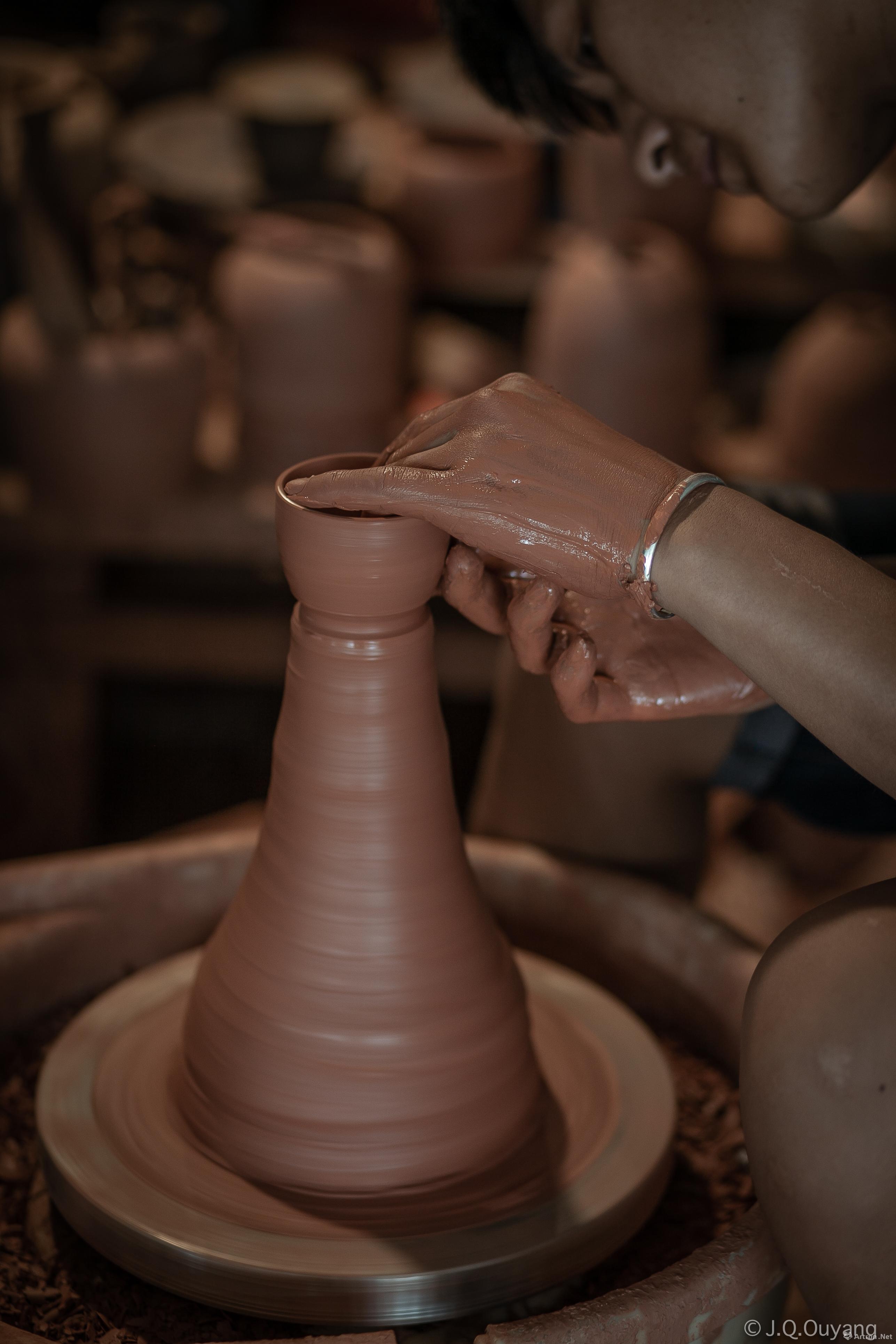 西双版纳告庄泰象陶傣陶工厂新傣陶的制作